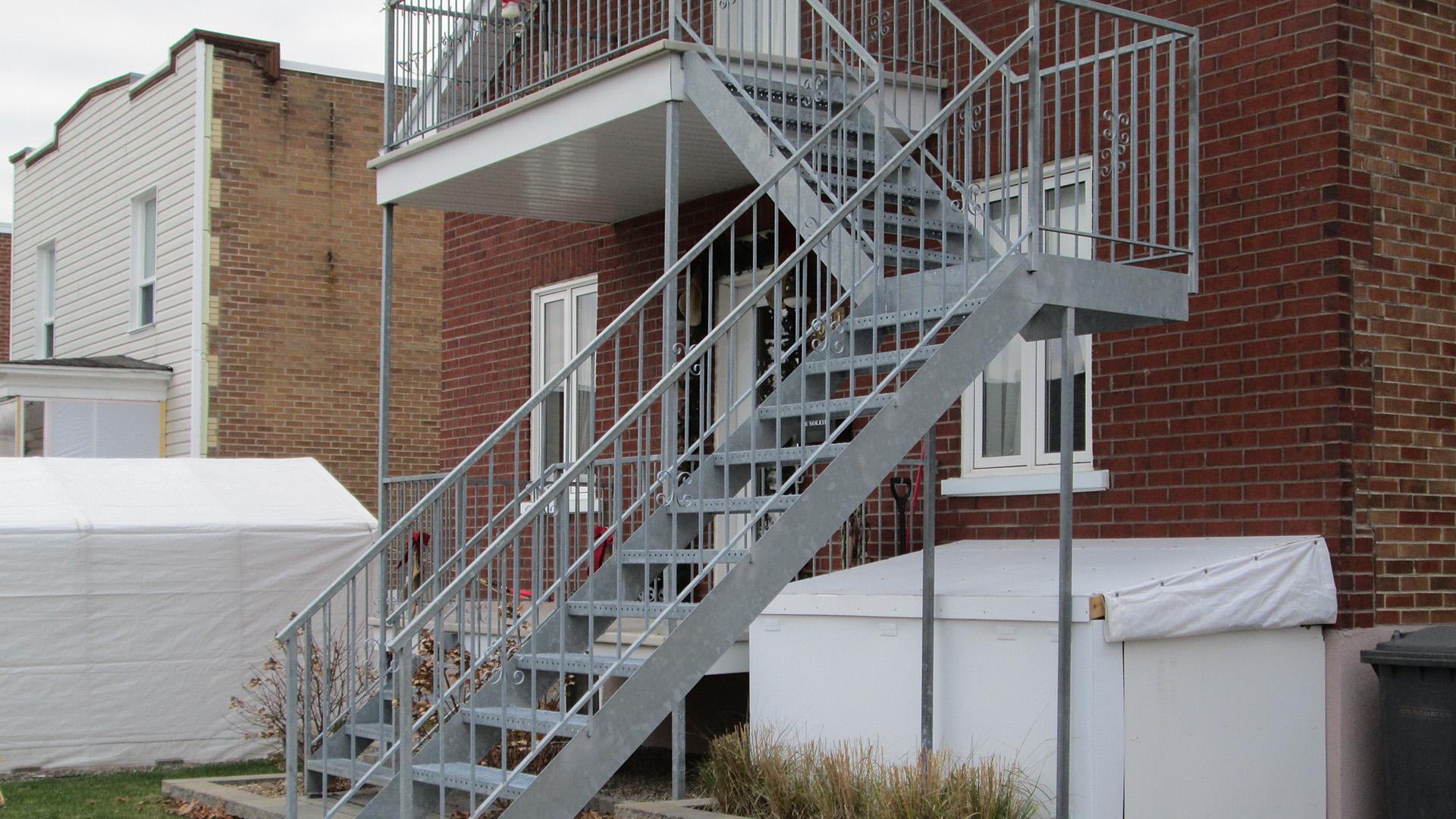 Photo De Galerie Exterieur réalisations - galeries, terrasses, patios et escaliers