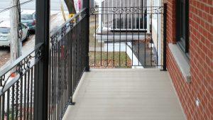 Balcon et garde en acier peint